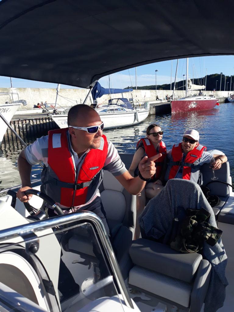 wypożyczalnia łodzi motorowych